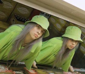 У Билли Айлиш есть сестра близнец